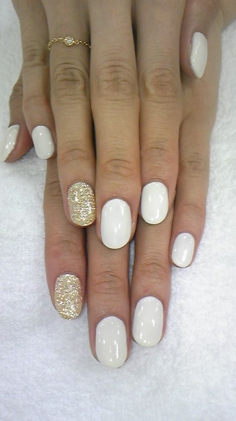 White-Nails-with-Glitter